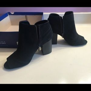 Apt 9 clock ankle boots